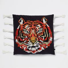 📷 https://www.riverisland.com/p/embroidered-tiger-cushion-with-tassels-900130