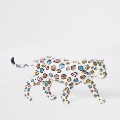 📷 https://www.riverisland.com/p/white-leopard-ornament-900048