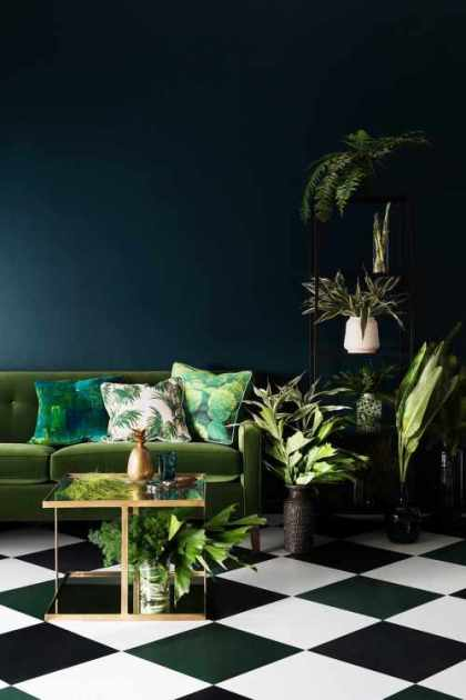 THE BOTANICAL TREND