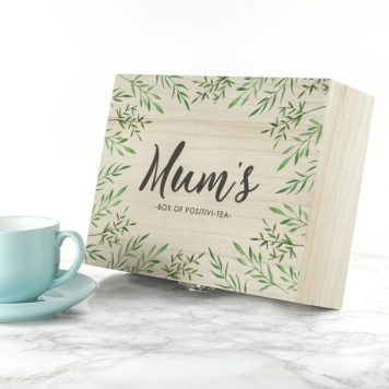 📷 https://www.lovemygifts.co.uk/gift/personalised-positivi-tea-mothers-day-tea-box/?gclid=EAIaIQobChMIwtiLjbT34AIVJCjTCh1nWAG0EAQYASABEgJ06PD_BwE